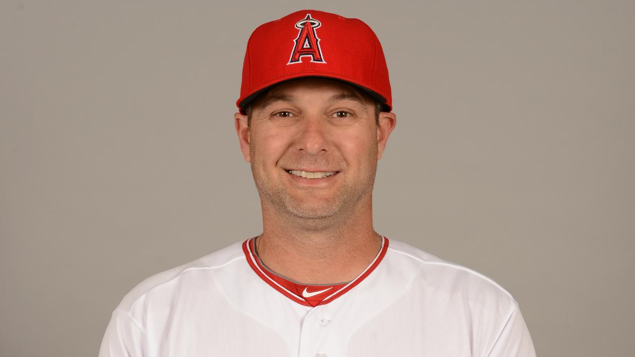 Angels promote Hansen to hitting coach