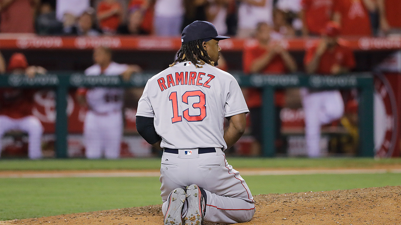 Hanley on 9th-inning error: 'That can't happen'