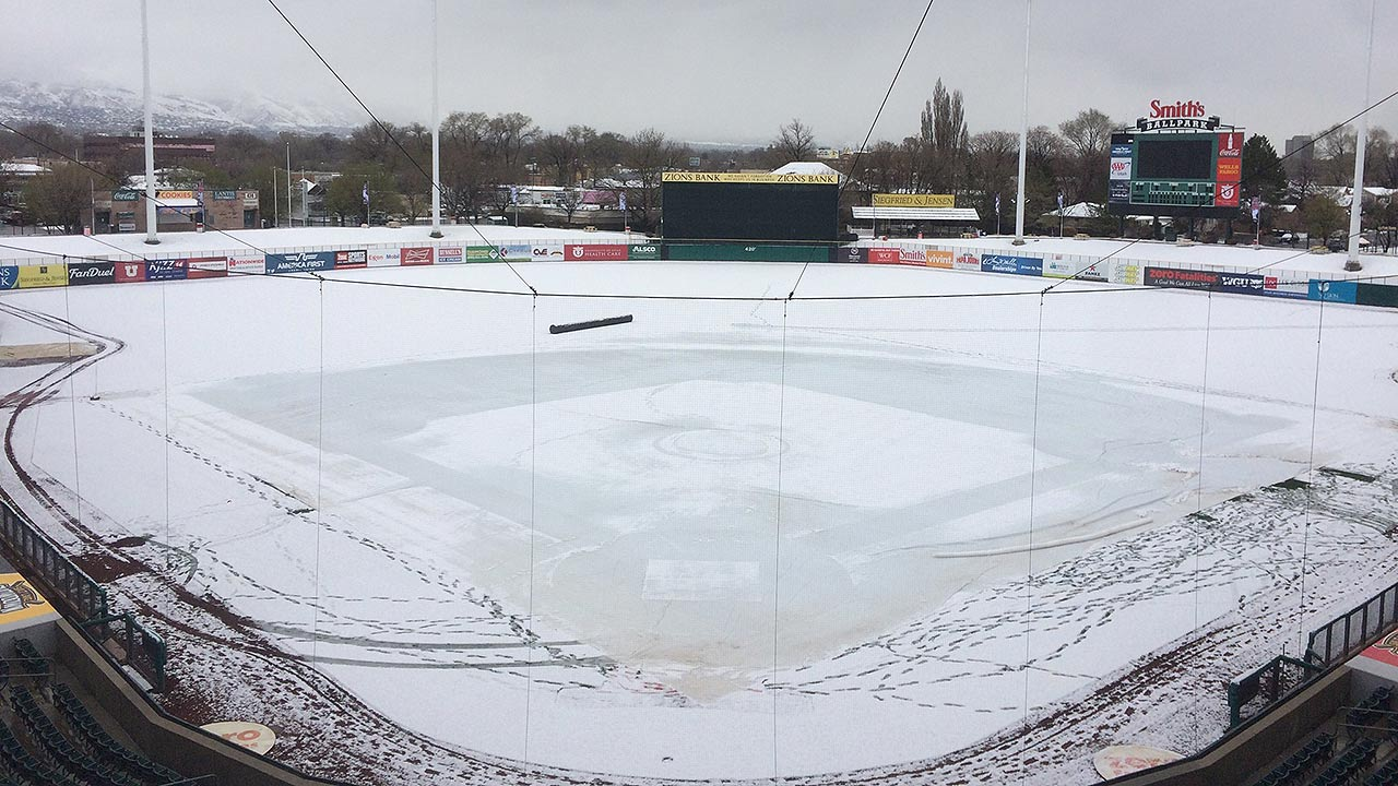 Snow forces cancellation of Angels-Bees game