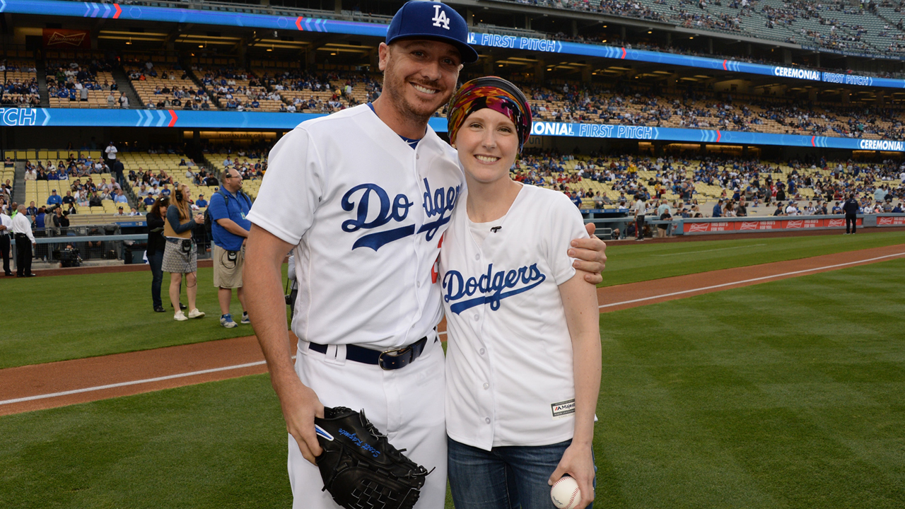 Dodgers' Honorary Bat Girl throws out first pitch