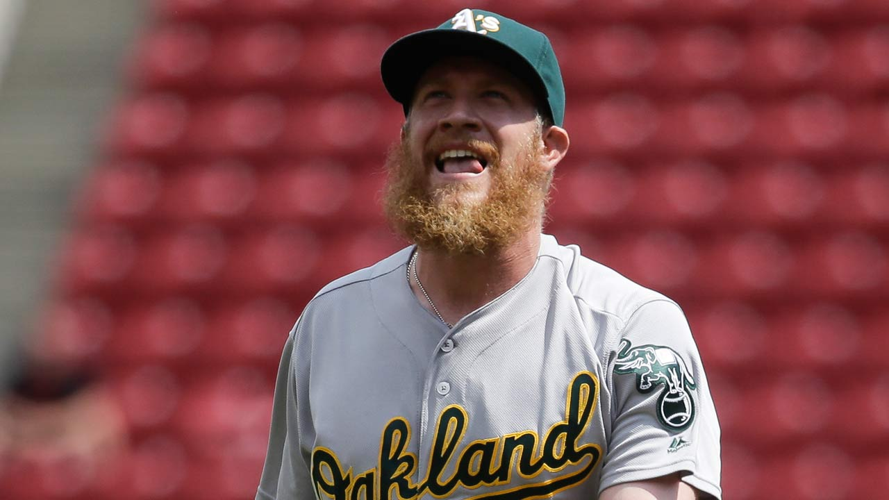 Doolittle nominated for Clemente Award; vote now