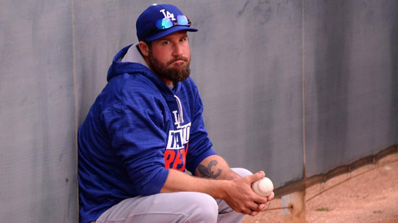 Gagne preps for Classic with bullpen session