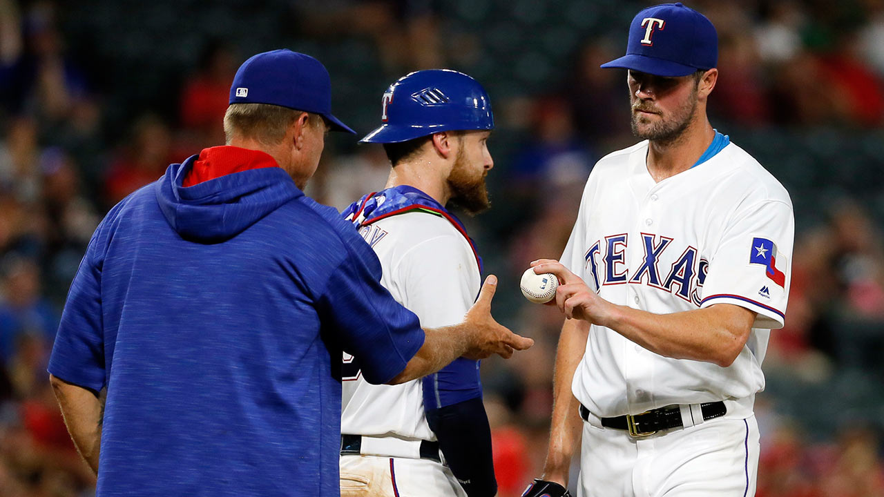 Night of opposites for Hamels vs. Mariners